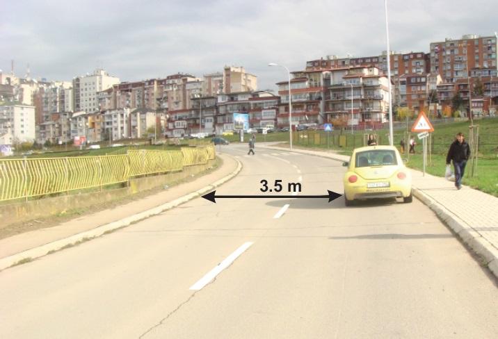 A lejohet ndalja e mjetit në rrugë, në këtë situatë?