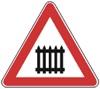 Çka paralajmëron kjo shenjë e trafikut dhe në cilin grup të shenjave bën pjesë?