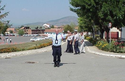 Cilët pjesëmarrës e kanë kalimin e lirë sipas pozitës së policit?