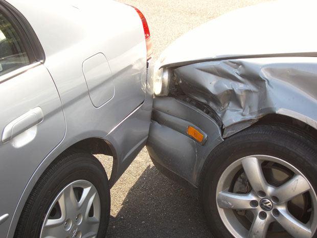 Dëm material i vogël në aksident trafiku