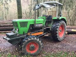 Traktor bujqësor a pyjor
