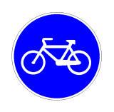 Sinjali në figurë ndalon qarkullimin e autoveturave dhe motorëve.