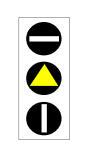 Semafori në figurë, me trekëndëshin e verdhë të ndezur, paralajmëron punimet në vazhdim mbi korsi.