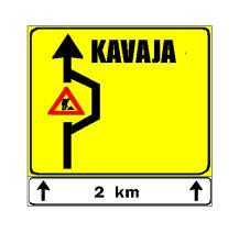 Sinjali në figurë sinjalizon se, pas 2 km, ka bllokim të rrugës për Kavajë.