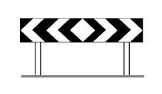 Sinjali në figurë tregon se lejohet kthimi majtas ose djathtas.